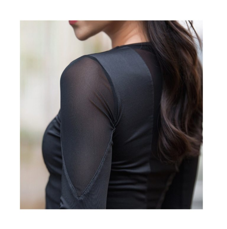 Sophisticated Yoga Top with Mesh Panel02